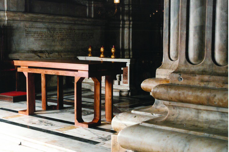 altare per le messe feriali per la cattedrale di san lorenzo