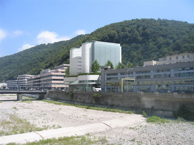 complesso alberghiero e commerciale in val Bisagno_Genova_render_vista altezza uomo